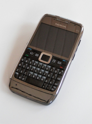 Nokia E71 -2